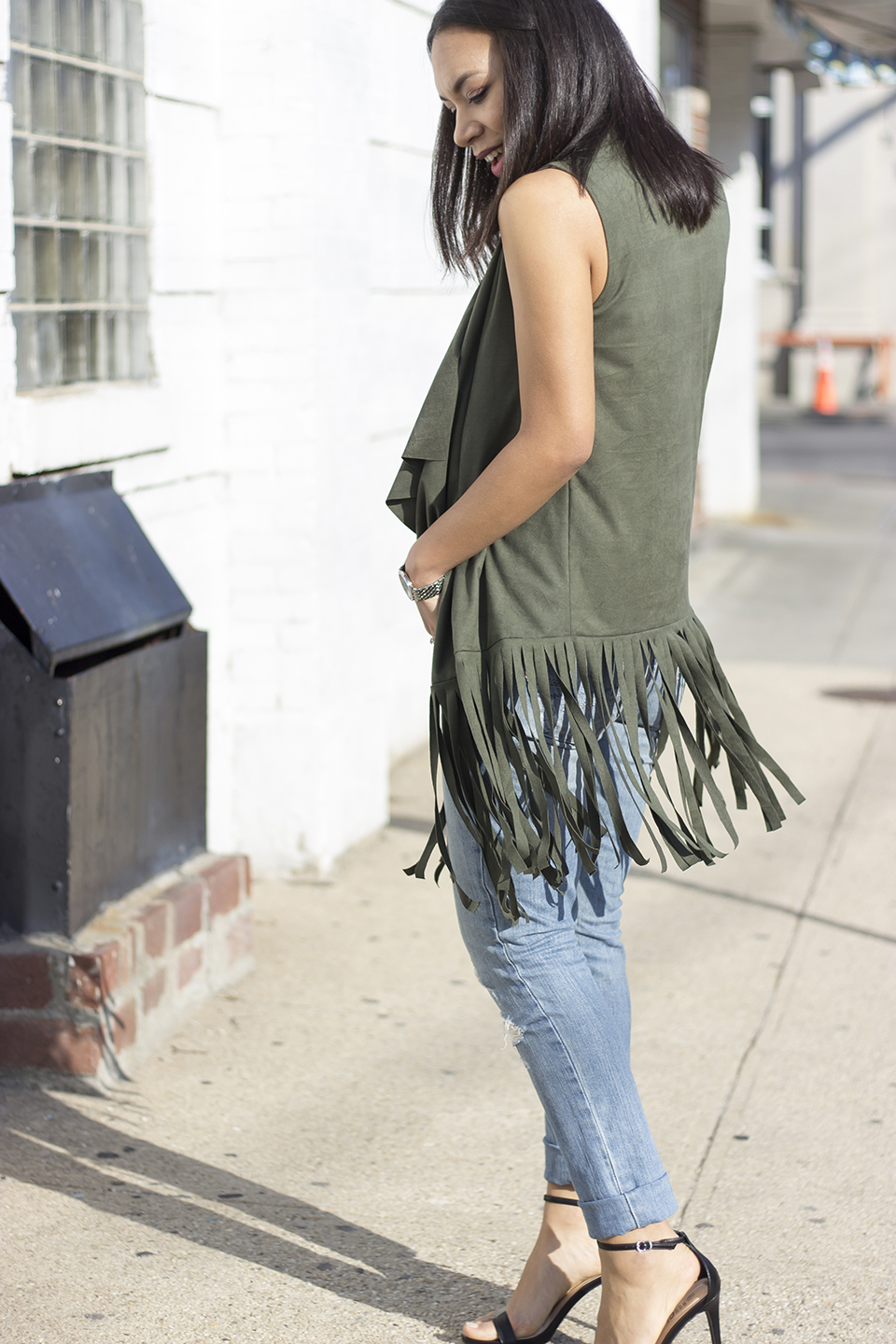 Green Fringe Vest,fringe vest, suede fringe vest, fringe, distressed skinny jeans, spring fashion trend, 2016 spring fashion trends, festive season, festive outfits, festive outfit, how to wear the long fringe vest spring trend